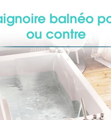 une image d'une salle de bain avec une baignorie balnéo en action au centre de l'image