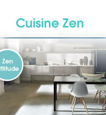 Une cuisine spatieuse et bien rangée décorée dans un esprit zen.