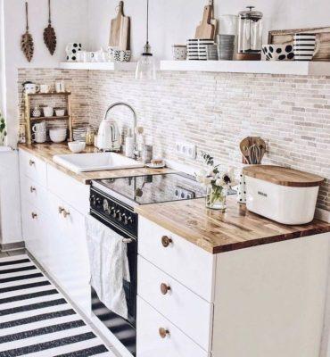 agencement d'une petite cuisine blanche