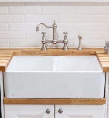 évier de cuisine blanc en céramique
