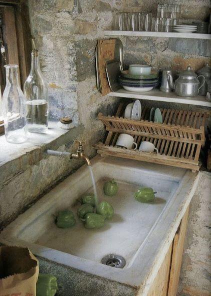 évier de cuisine en pierre
