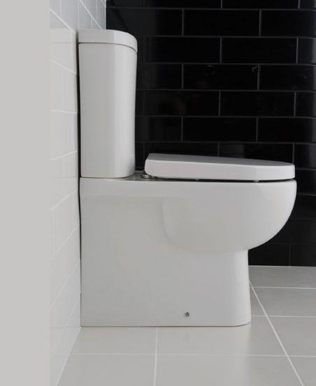 wc à poser dans petites toilettes