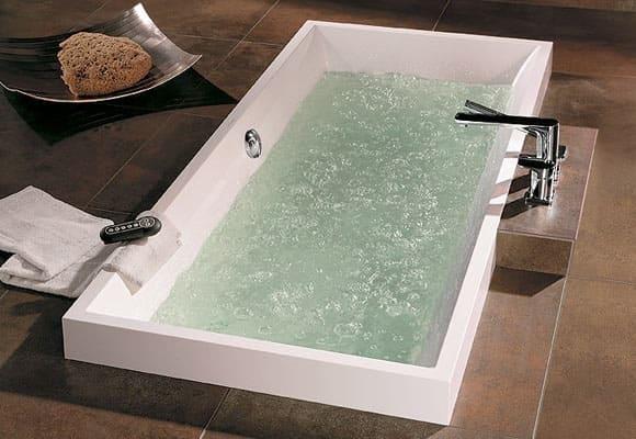 Baignoire Balneo Villeroy et Boch bain à remous